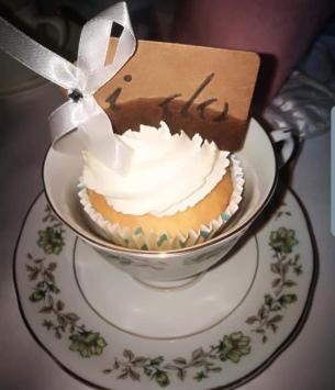 Wedding cupcake favour